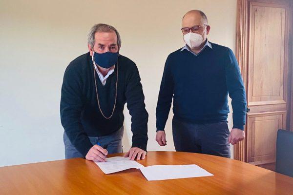 Municipalidad de Pumanque y Sence firman convenio para la creación de oficina OMIL